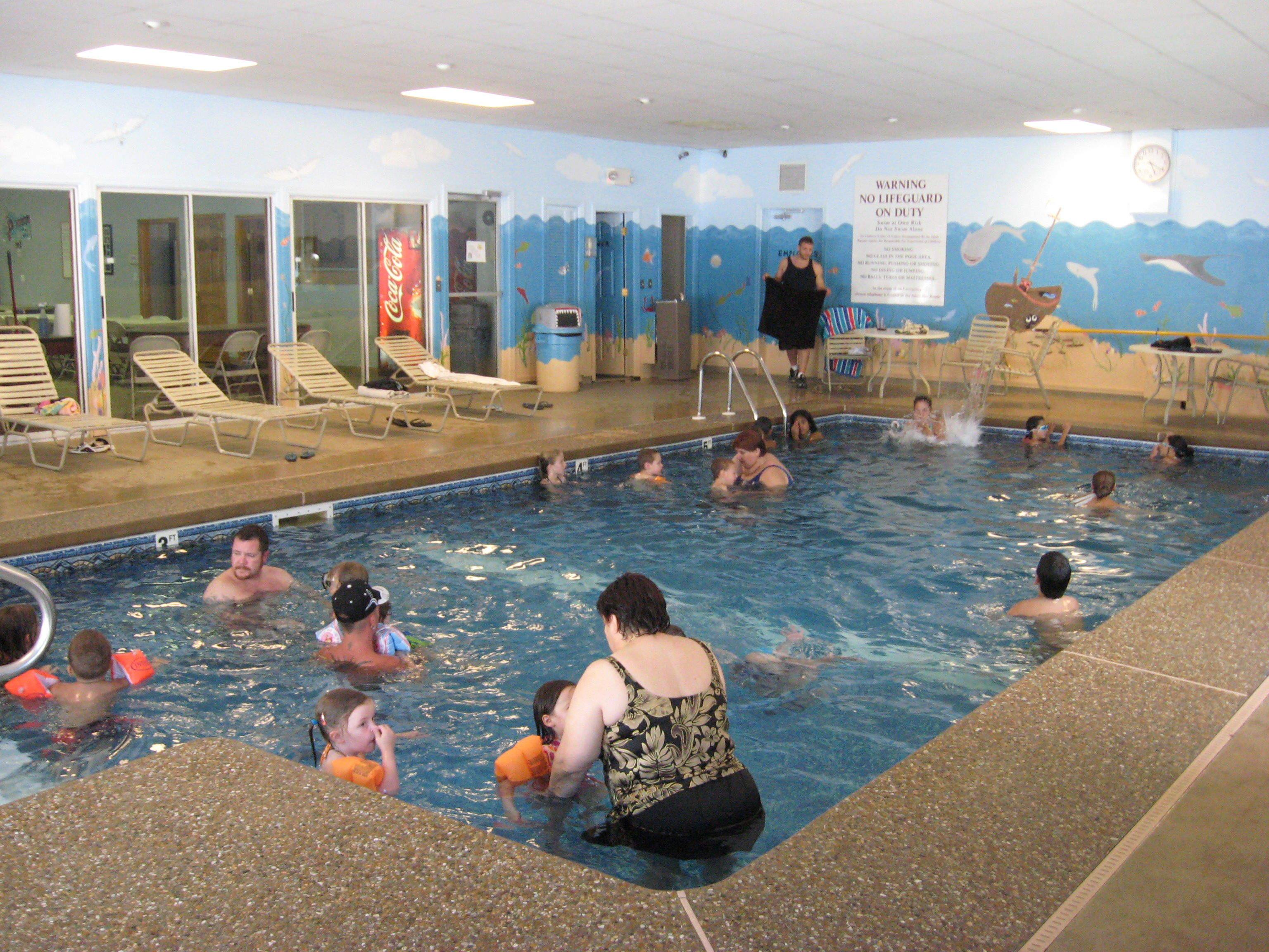 Friendly Beaver Campground - indoor swimming pool