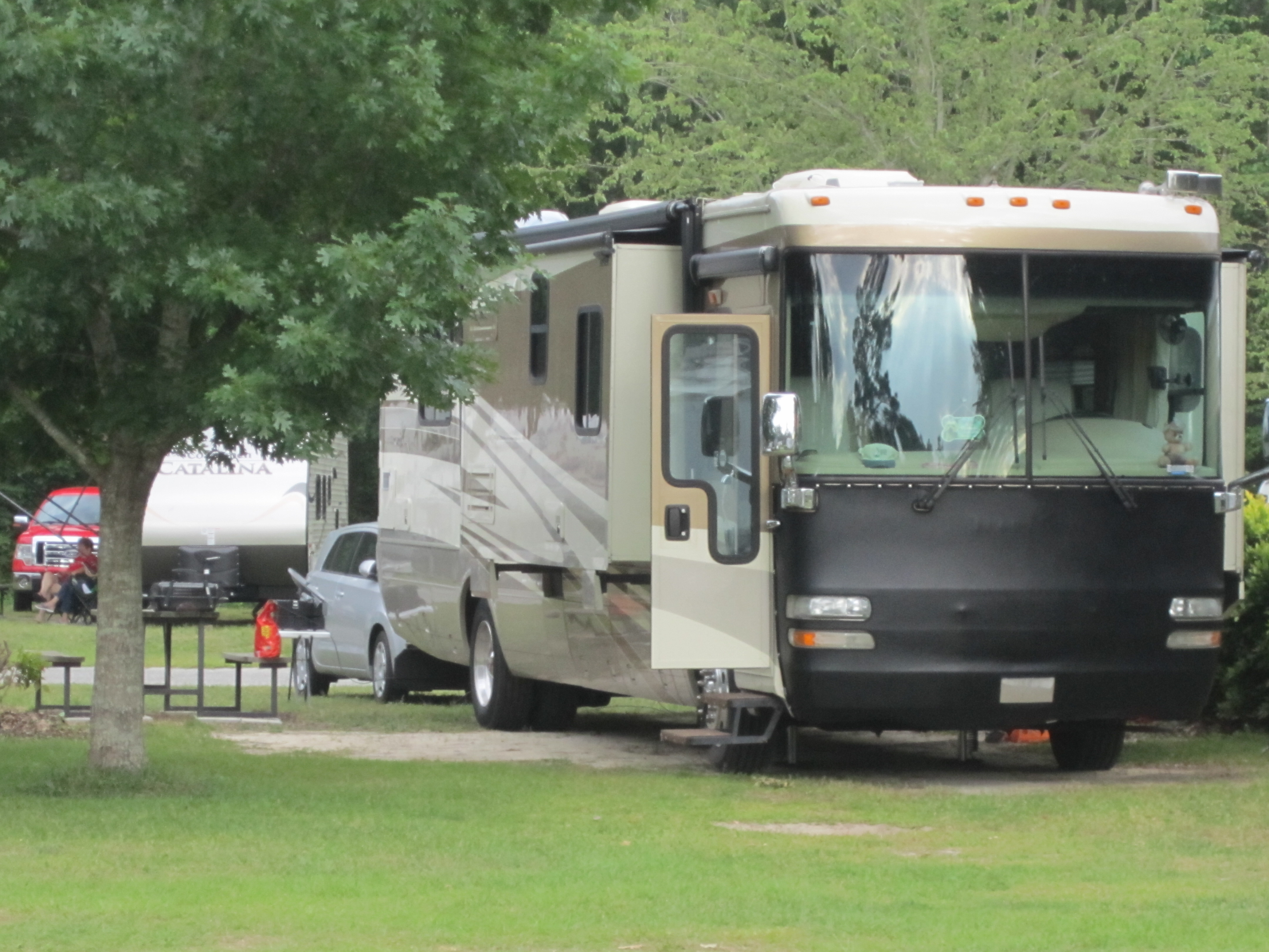 Parkwood RV Park & Cottages - rv site