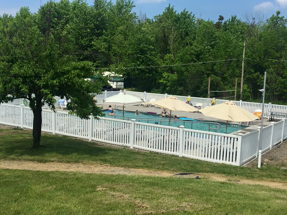 Presque Isle Passge RV Park & Cabin Rentals - swimming pool