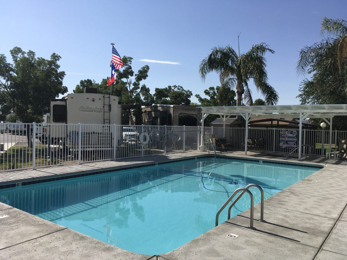 A Country RV Park - swimming pool