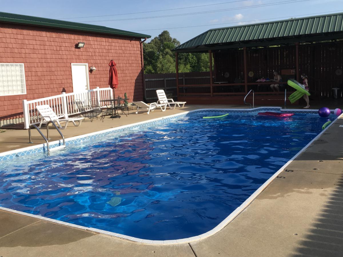Duck Creek RV Park - swimming pool