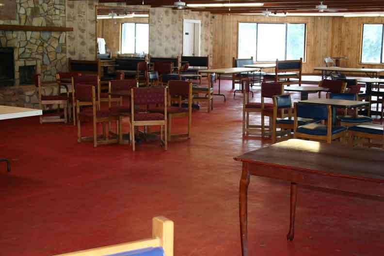 Cecil Bay RV Park - dining area