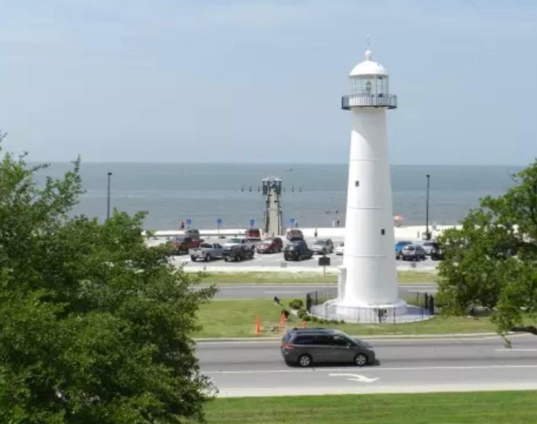 Cajun RV Park - lighthouse