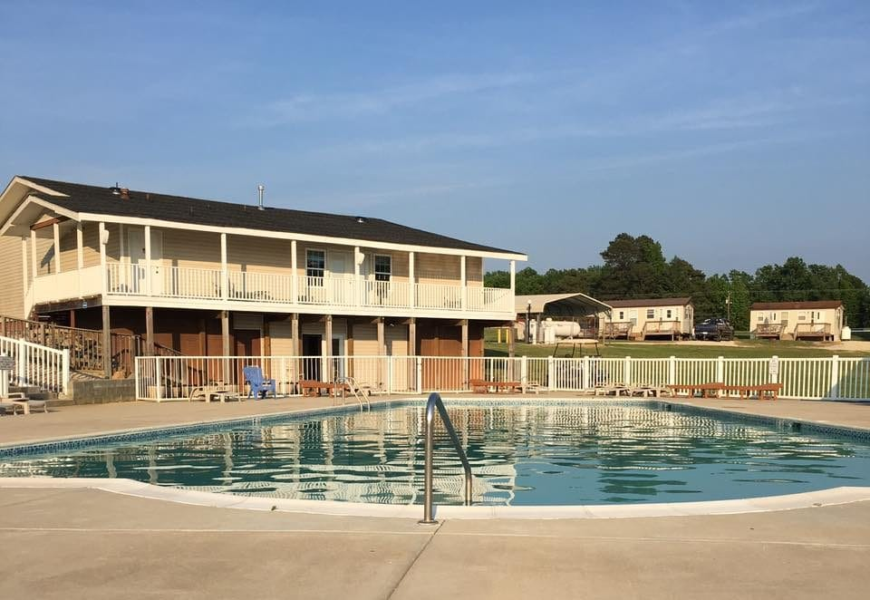 Picture Lake Campground - swimming pool