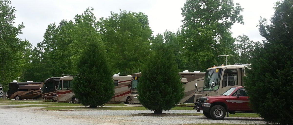 Lake Pines RV Park & Campground