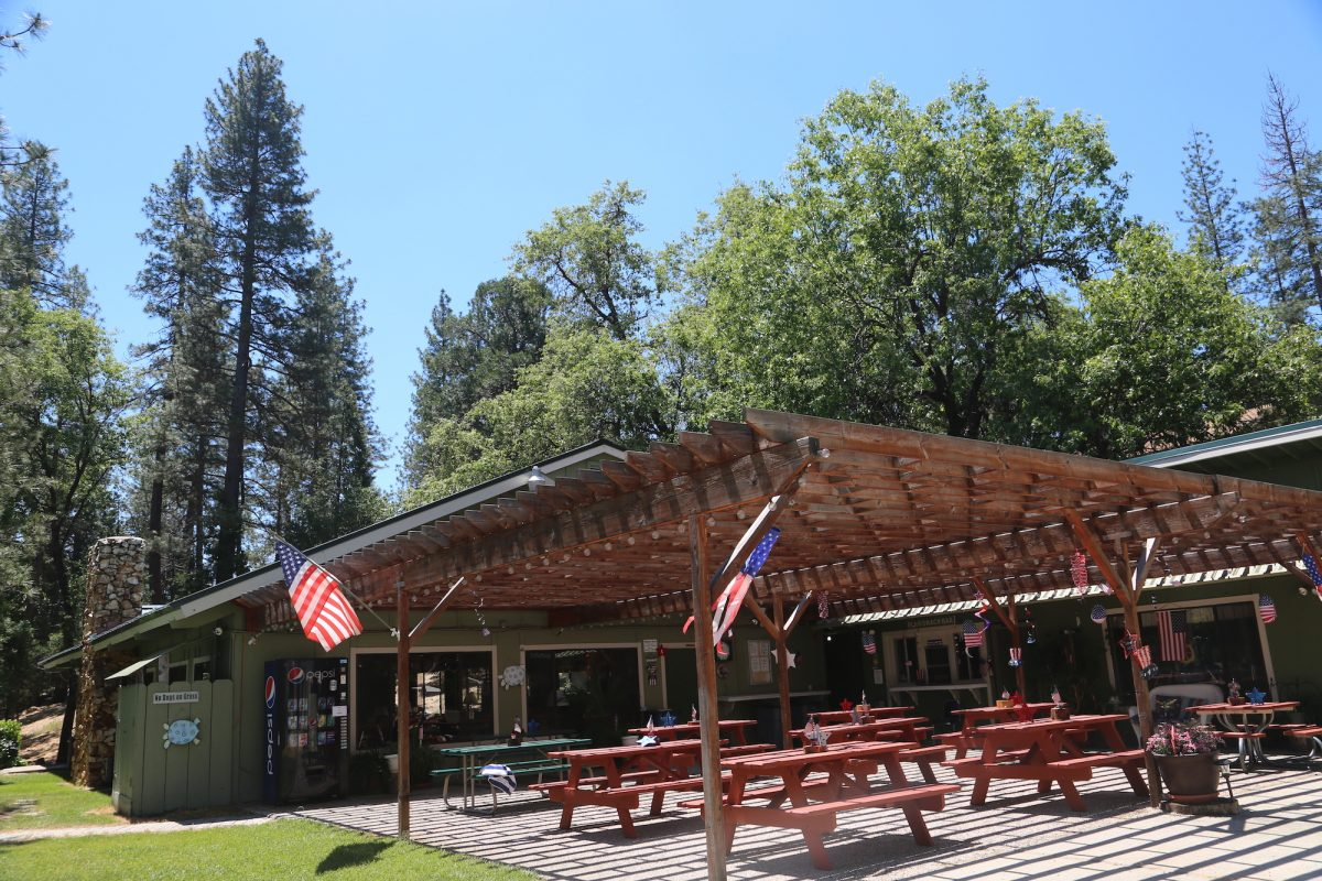 Bass Lake at Yosemite - pavilion