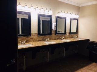 Paradise Island RV Resort - bathroom