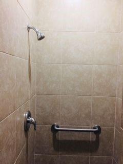 Paradise Island RV Resort - shower
