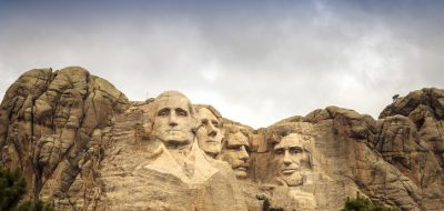 Mount Rushmore National Memorial Park in South Dakota, USA. Sculptures of former U.S. presidents; George Washington, Thomas Jefferson, Theodore Roosevelt and Abraham Lincoln.