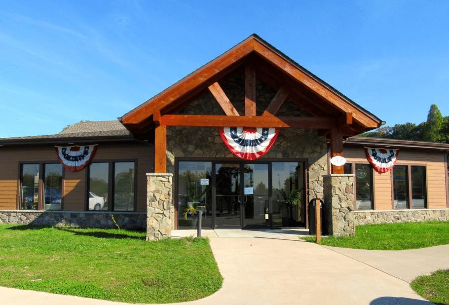 Large entry lodge