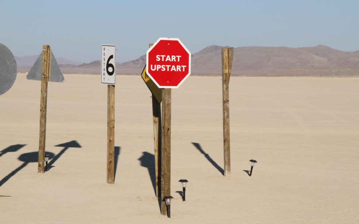 Signs in the desert reading start upstart
