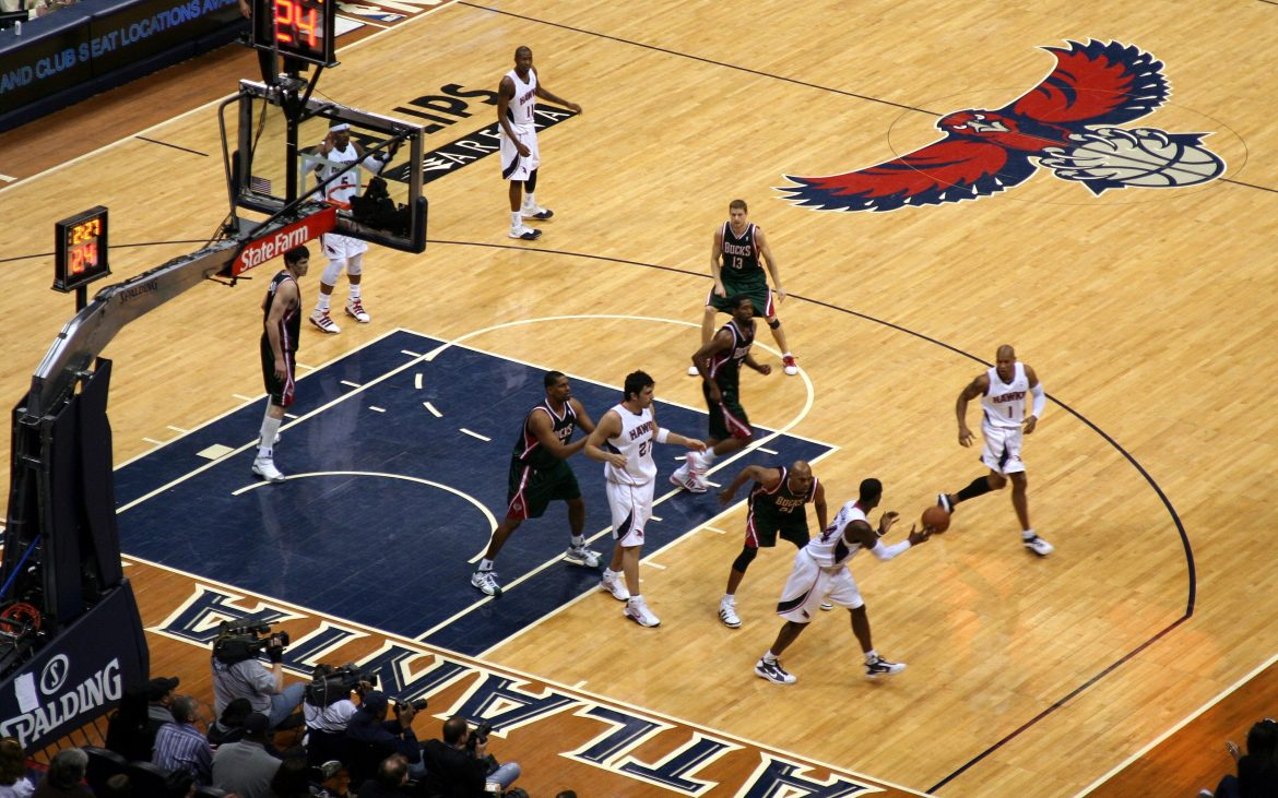 NBA Atlanta Hawks vs Milwaukee bucks players on court