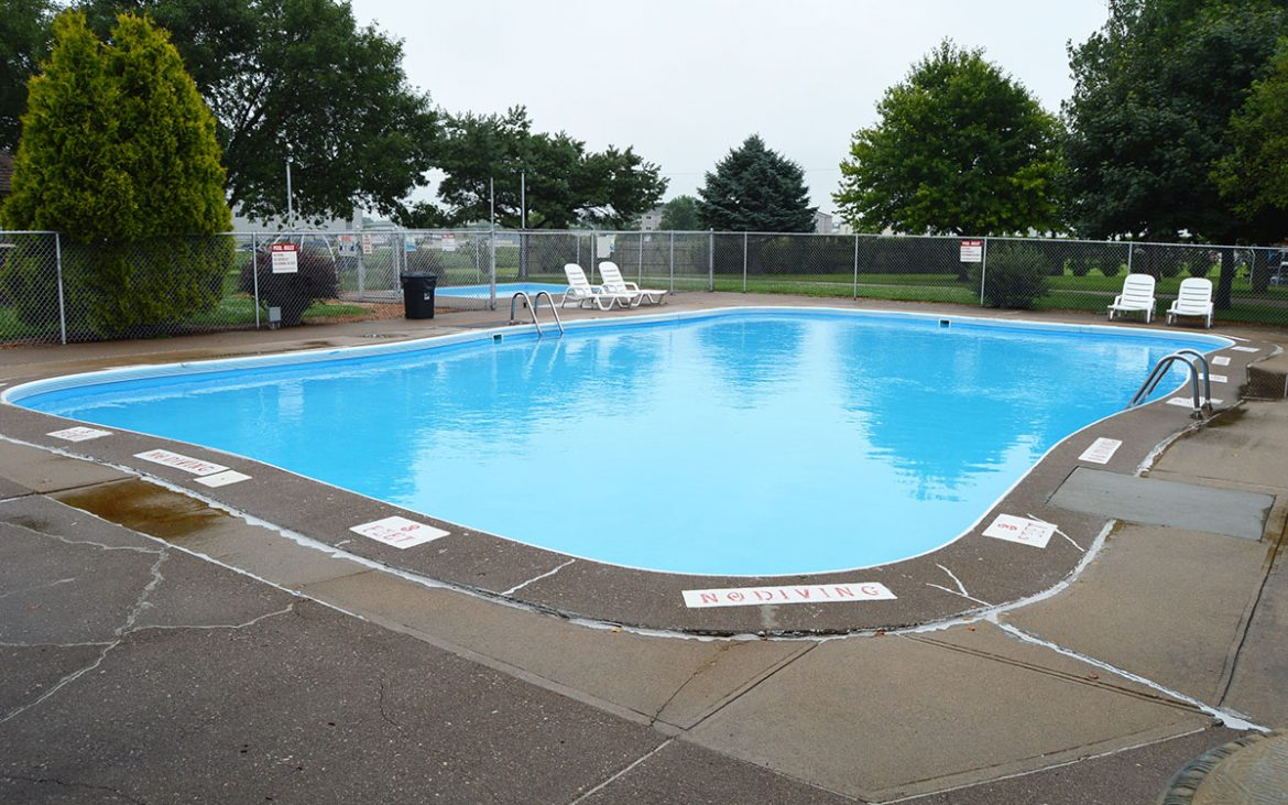 Large open community pool