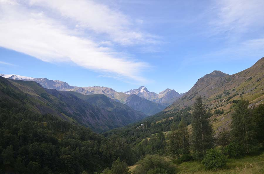 Stunning mountain vistas from West Maroon Pass in Colorado.