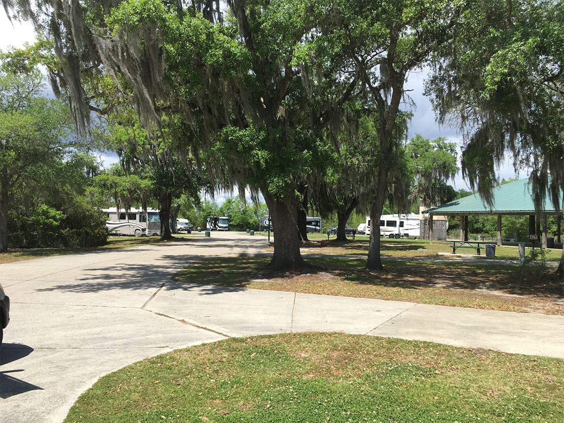 GOlf at hollywood casino rv park-gulf coast