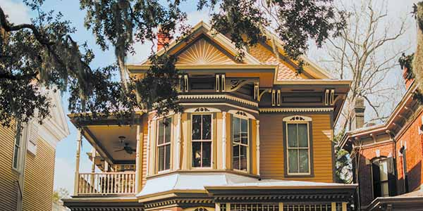 The bygone architectural styles of Savannah's homes make the city a trip back into time.