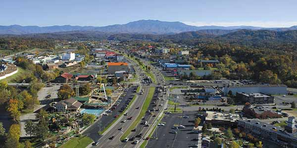 Family attractions line the bustling Pigeon Forge Parkway.