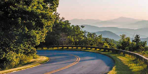 A stretch of Blue Ridge Parkway winds thorugh the Smoky Mountains.