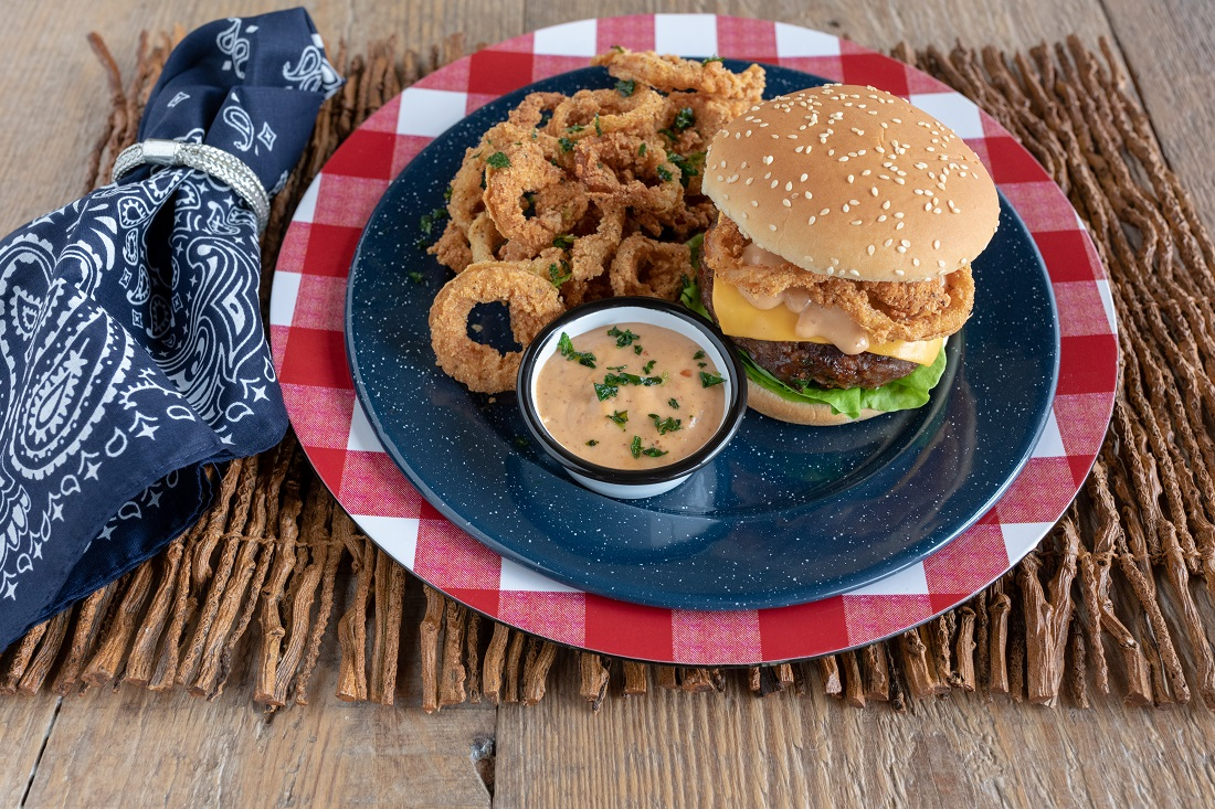 Burger with delicious onion rings