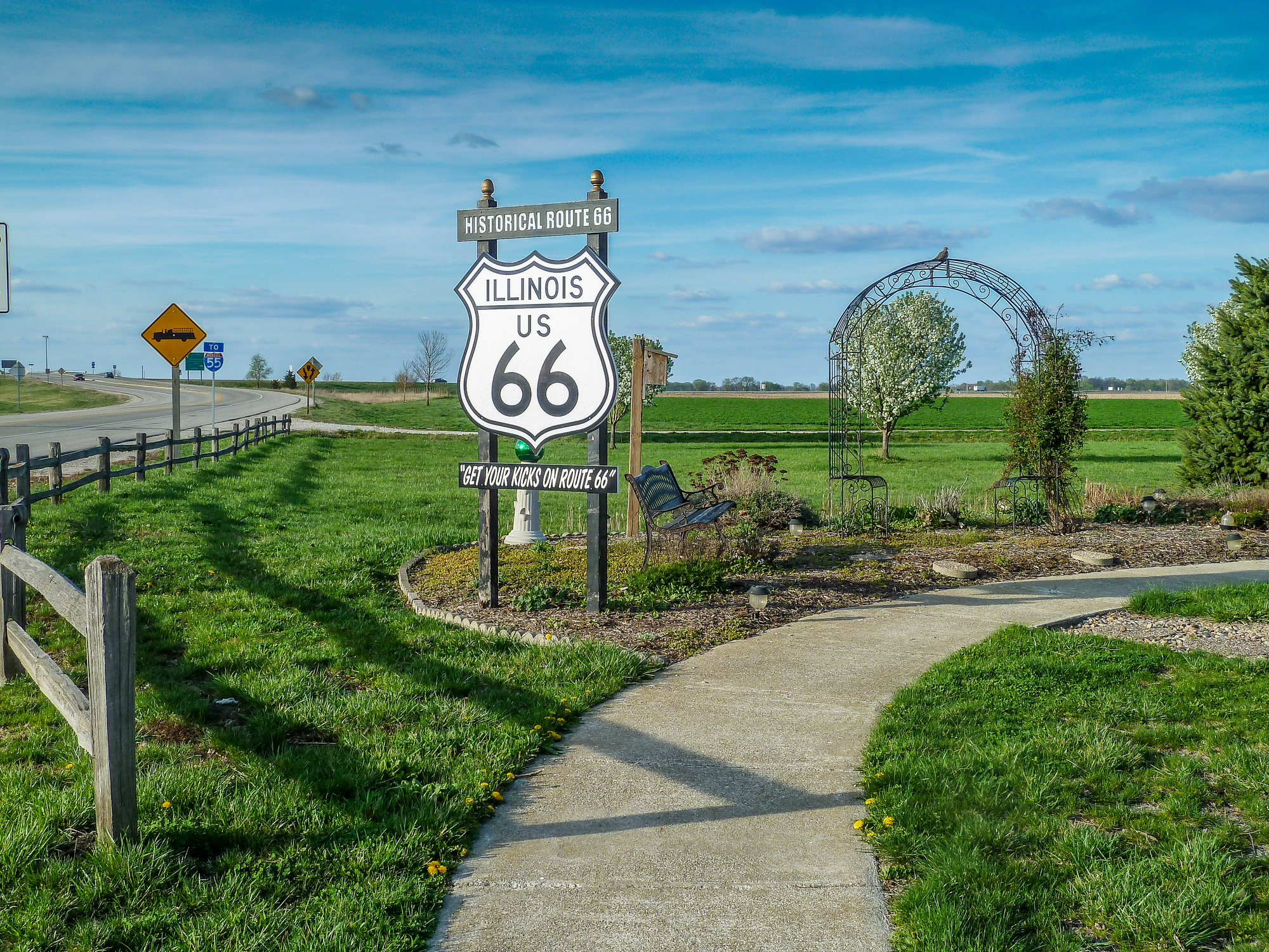 Historical Route 66 sign in Illinois