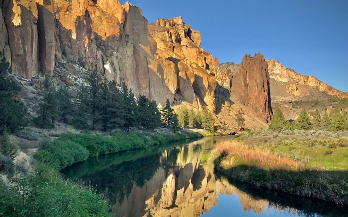 The River Trail follows the meandering Crooked River at Smith Rock.