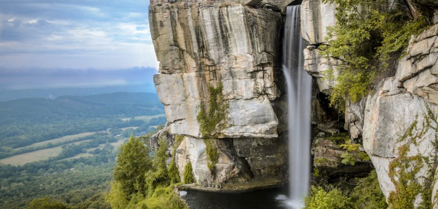Long exposure waterfall picture of lookout mountain between Georgia and Tennessee